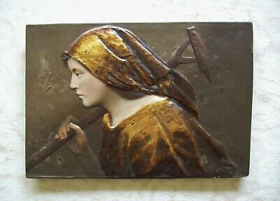 Ernst Wahliss Jugendstil Wandkeramik Wall Plaque Made in Austria