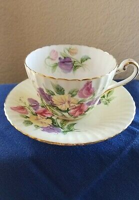 Paragon By Appointment to Her Majesty the Queen  Bone China Tea Cup & Saucer