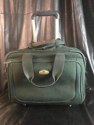 Ricardo Beverly Hills Carry On Suitcase Black Rolling Case Luggage Bag