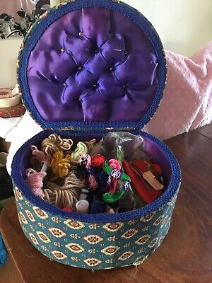 VINTAGE SEWING BOX + CONTENTS - hook Silk threads TAPESTRY WOOL FELT CASES
