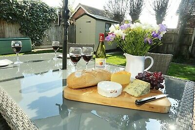 OCTOBER HALF TERM 21st-25th at pretty 4 bed Norfolk dog friendly holiday cottage