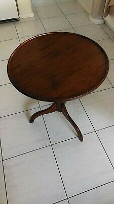 Georgian Antique Tripod Tilt Top Side or Wine Table mahogany