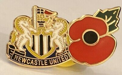 Newcastle United Club And Country Collectable Football Pin Badge Great 4november