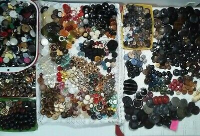 ANTIQUE VINTAGE Button Lot. Horn,Bakelite,Celluloid,Lucite,Metal MUCH MORE-9 LBS