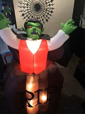 6ft Tall Animated Light Up Airblown Inflatable Dracula Vampire Halloween Gemmy