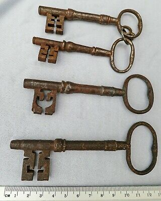 *RARE 4 Good LARGE Antique Metal GEORGIAN Keys c200 years OLD