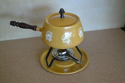 FUNKY 70s VINTAGE MUSTARD YELLOW ENAMEL CHEESE FONDUE SET with MUSHROOMS