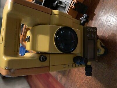 Topcon GTS-303 dual display total station with case