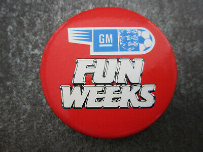 GM Fun Weeks Football Pin Badge Button (L6B)