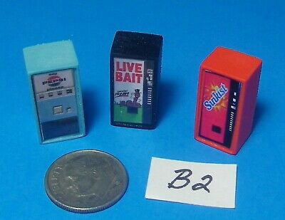 HO Scale LIGHTED Old Style Dr Pepper Vending Machine 1//87 Illuminated