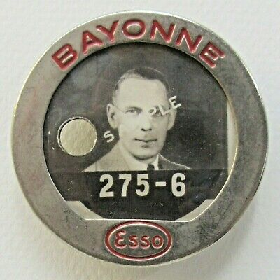 WWII 1940's ESSO BAYONNE gasoline oil employee photo badge pinback Home Front +
