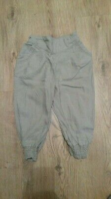 Girl 3/4 beige trousers age 7-8