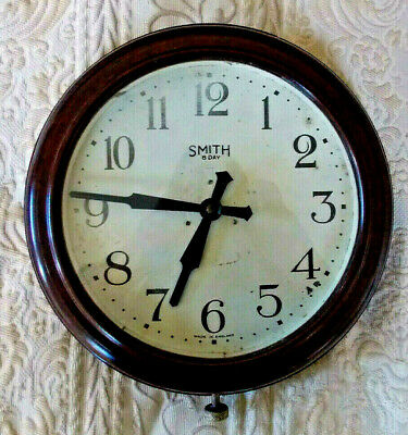 Smiths, Bakelite, vintage retro, battery wall clock. 1950's.  Working