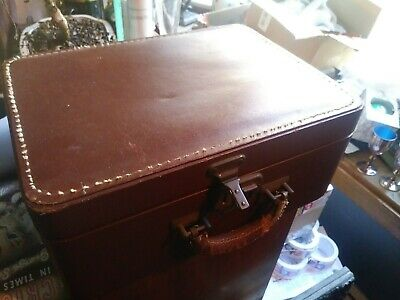 Beautiful Vintage Brown LUCE Train Case Cosmetic Travel Suitcase Leather Handle