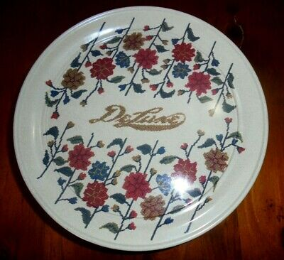Collin Street Bakery Deluxe Fruitcake Tin ~ Texas U.S.A ~ Knitted Floral Design?