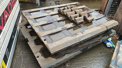 Set Of UN-USED Pegson 1165 Jaw Crusher Plates and Wedges POWERSCREEN