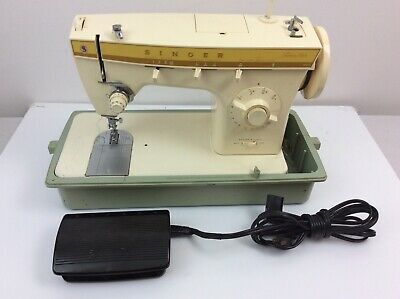 SINGER Fashion Mate 360 Sewing Machine with Pedal in Carry Case - WORKS Vintage