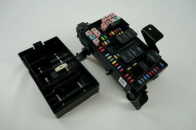 ✅05 - 07 F-250 F-350 Super Duty Fuse Box Relay Junction Block 5C3T-14A067-AD OEM