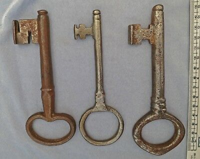 **3  SCARCE 18c 1700s Antique Metal  Keys 300 years OLD Hand made