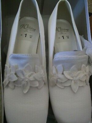 Ladies Ivory satin floral tab wedding shoes new in box size 1
