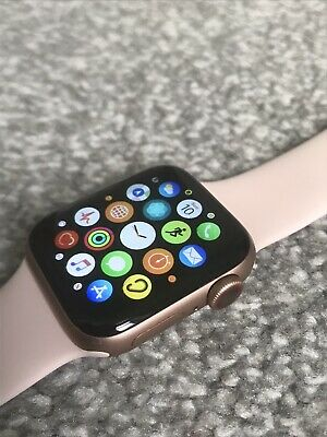 Apple Watch Series 4, 40 mm Gold with Pink Sand Sport Band (GPS And Cellular)