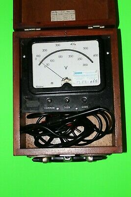OLD Crompton DC Voltmeter two ranges 0-300VDC & 0-600VDC with probes and case