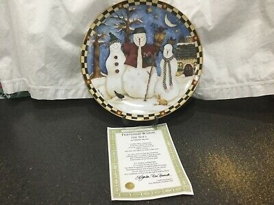 DEBBIE MUMM - Friendship Warms the Soul  PLATE with certificate.