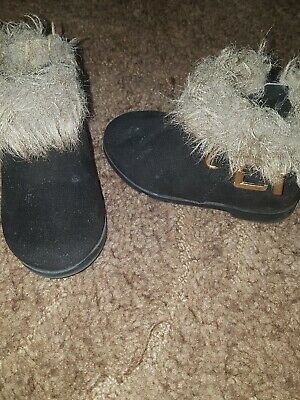 Baby Girls River Island black boots with fur trim size 3 Infant