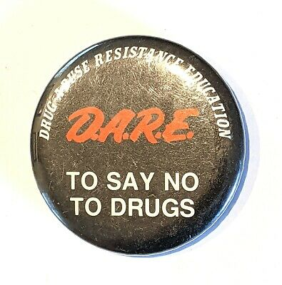 """SOBRIETY love /""""HUGS NOT DRUGS/"""" BUTTON pin pinback 2 1//4/"""" badge NEW Big  SAY NO"""