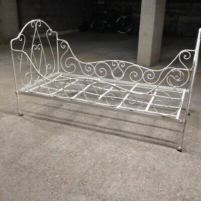 Authentic French antique wrought iron single (day)bed