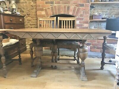Antique Arts & Crafts style oak dining table and 4 chairs.