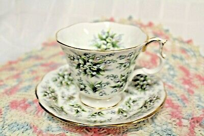 "ROYAL ALBERT ""Lambeth"" from Nell Gwynne Series TEACUP & SAUCER"