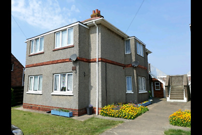 1 Bedroom GROUND FLOOR FLAT OVER 40's By the Sea Gas CH Private Fishing & Parkng