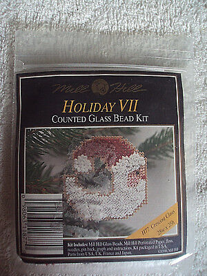 MILL HILL COUNTED GLASS BEAD KIT CRESCENT CLAUS H77 HOLIDAY ORNAMENT V Pin Back#