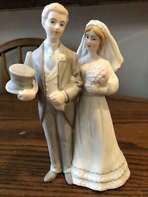 Arnart Creation Figurine Bisque Porcelain WEDDING COUPLE  ROYAL CROWN  1985