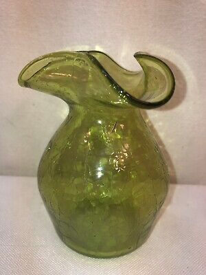 VTG SMALL Hand Blown Art Glass Bud Flower Vase Green Scalloped Rim Crackled