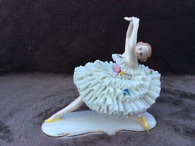 Volkstedt dresden sitzendorf porcelain lady seldom figurine kneeling white dress