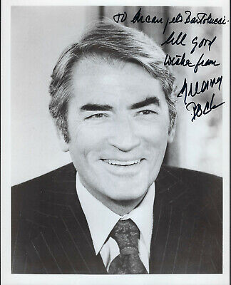 1980'S  Gregory Peck  PHOTO 8x10  WITH DEDICATED AUTOGRAPH  (MP31)