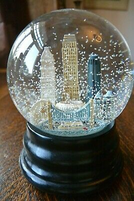 Great Saks Fifth Avenue Snow Globe Cincinnati Skyline Musical