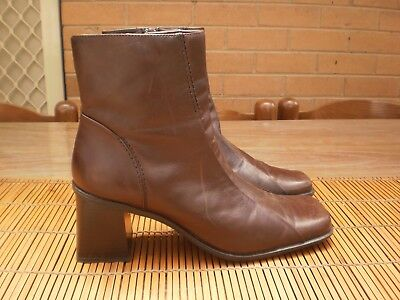 "Women's Zu  ""Soot"" Chocolate Brown Leather Chunky Heel Boots - Size 40 / 9"
