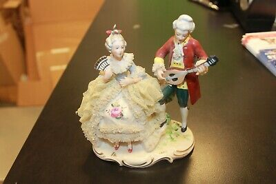 ANTIQUE GERMAN DRESDEN LACE  COUPLE MUSICIANS PORCELAIN FIGURINE German Dresden
