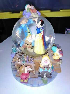 Disney Snow White & The Seven Dwarfs Musical Snow Globe I Whistle A Happy Tune