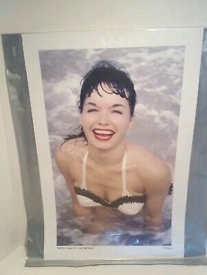 Bettie Page Limited Edition Retro Photo Collection 11x17 Set of 4 Sealed Prints
