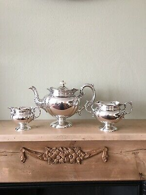 ANTIQUE SOLID SILVER 3 PIECE TEA SET.                     London 1901