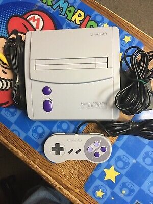 Super Nintendo NES System Video Game Console - Gray (SNS-001)
