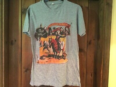 Vintage SAXON -Crusader  T-shirt Medium Nice Condition