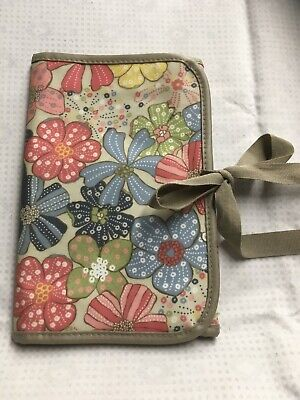 Thirty One- FLoral fold and go Ipad Organizer