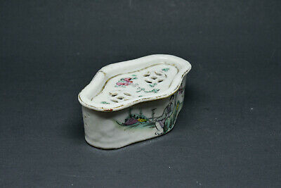 Antique Chinese Porcelain Cricket Box - 5 Inches long - 🐘