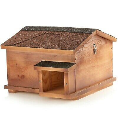 Hedgehog House - Solid Wood Construction Hedgehogs Feeding Station - With Defect