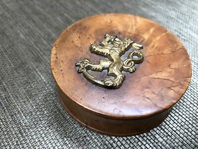 Antique French Burl Wood Snuff Box Gold Lion